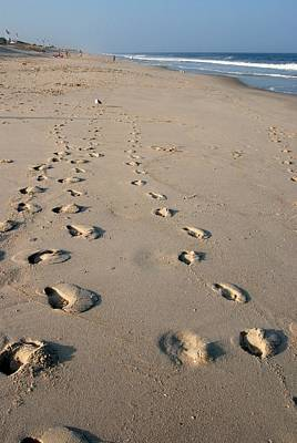 The Trails Of Footprints - Jersey Shore Art Print