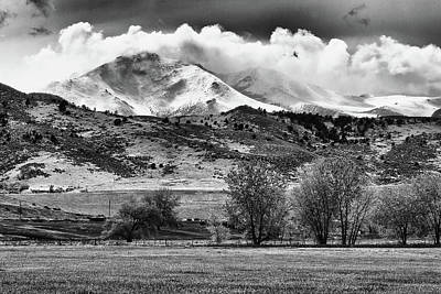 The Twin Peaks - Mt Meeker And Longs Peak Hang-in Bw Art Print