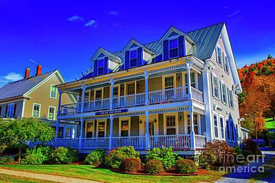 Photograph - The Veranda House by Rick Bragan