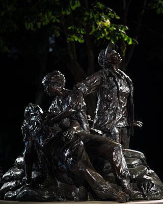 Photograph - The Vietnam Women's Memorial by Chris Bordeleau