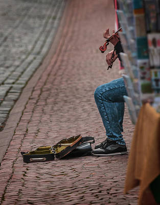 Photograph - The Violinist by Ray Kent