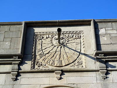 Photograph - The Waterspout Sundial by Ed Weidman