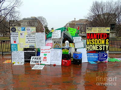 Photograph - The White House Peace Vigil by Ed Weidman