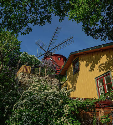 Woodenhouses Photograph - The Windmill At The Top by Jonas Sundberg