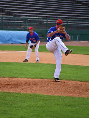 Photograph - The Windup by Mike Martin
