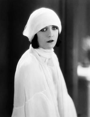 Pola Negri Photograph - The Woman On Trial, Pola Negri, 1927 by Everett