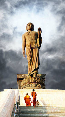 Photograph - The Wonder Of The Buddha by Ian Gledhill