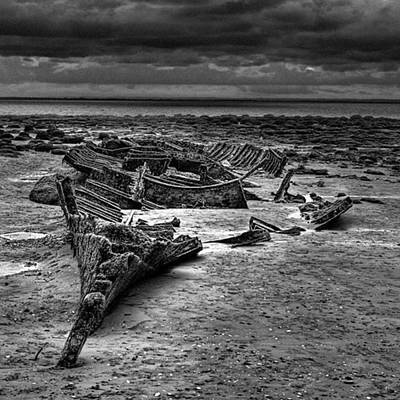 Norfolk Photograph - The Wreck Of The Steam Trawler by John Edwards