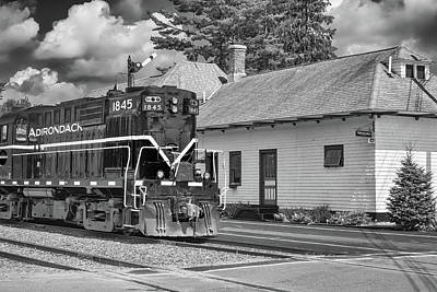 Photograph - Thendara Station by Guy Whiteley
