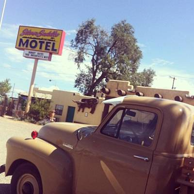 Truck Photograph - Silver Saddle Motel, Santa Fe by Laurie White
