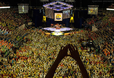 Ftk Photograph - Thon Diamonds Up by Michael Misciagno