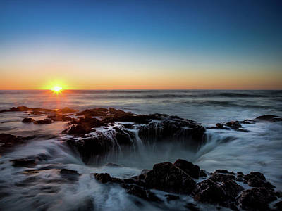 Flowing Wells Photograph - Thor's Well At Sunset by Michele James