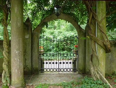 Photograph - Through The Tuscan Gate by Barbara Jacobs