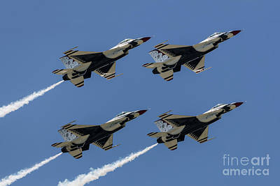 Photograph - Thunderbirds Dsc5807 by Andrea Silies