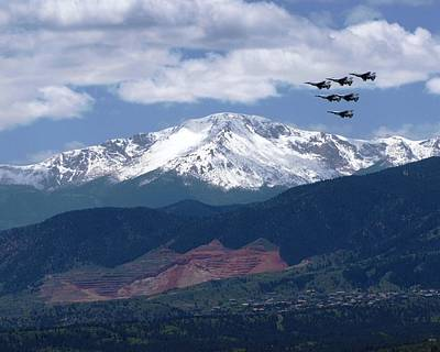 U.s. Air Force Thunderbirds Photograph - Thunderbirds Over Pikes Peak Colorado by Laurisa Rabins