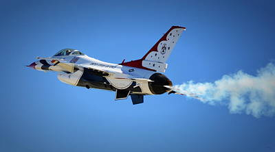 Photograph - Thunderbirds - Slow Pass by Glenn McCarthy Art and Photography
