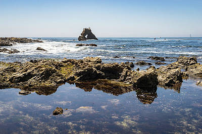 Photograph - Tidal Pools And Newport Rock Arch At Little Corona Del Mar Beach In Orange County California by Georgia Mizuleva