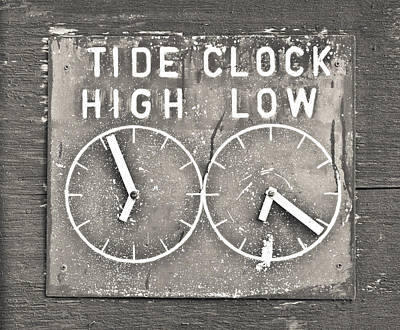 Tide Clock Art Print by Tom Gowanlock