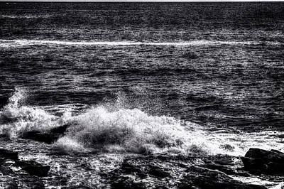 Photograph - Tide Rolling In Near Thunder Hole by Roger Passman