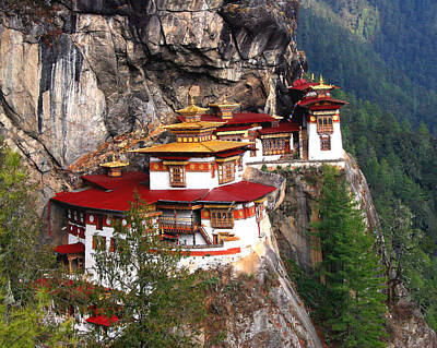 Bhutan Photograph - Tigers Nest Bhutan by Jim Kuhlmann