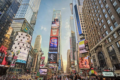 Photograph - Times Square Hustle by Ray Warren