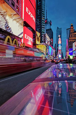 Photograph - Times Square Nyc by Susan Candelario