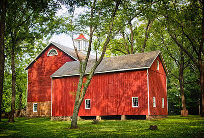 Photograph - Tinicum Park Barn by Carolyn Derstine