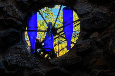 Photograph - Tinkertown Window by Tom Singleton