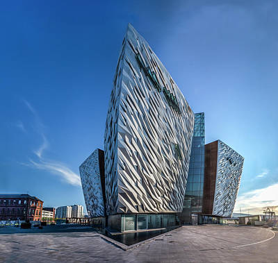 Photograph - Titanic Building Bows by Glen Sumner