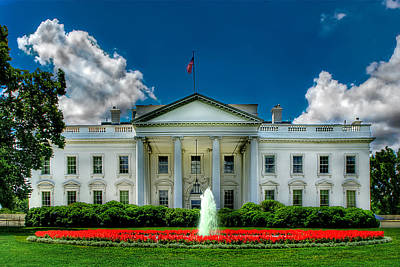 Photograph - Tlhe White House by Don Lovett