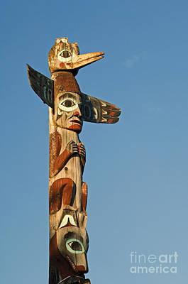 Totem Figure Photograph - Tlingit Totem Pole by Greg Vaughn - Printscapes