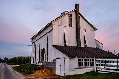 Photograph - Tobacco Barn At Dusk by Tana Reiff
