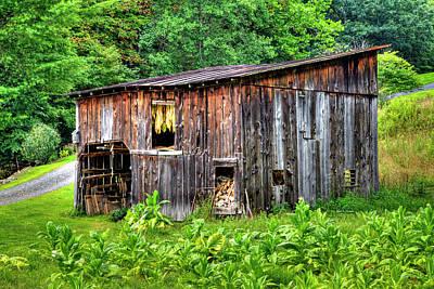 Photograph - Tobacco Barn by Dale R Carlson