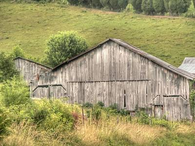 Photograph - Tobacco Barn by David Bearden