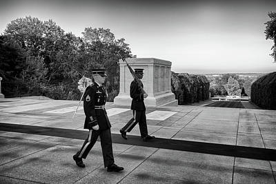 Photograph - Tomb Of The Unknown Guards by Paul Seymour