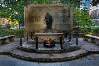 Statue Portrait Photograph - Tomb Of The Unknown Revolutionary War Soldier - George Washington  by Lee Dos Santos