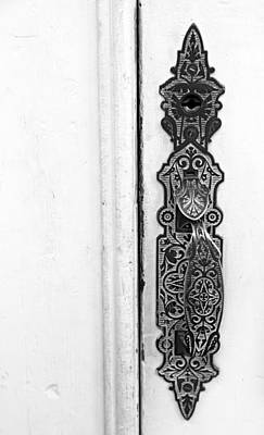 Photograph - Tombstone Courthouse Door Handle Bw by Mary Bedy