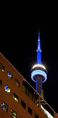 Photograph - Toronto Cn Tower At Night by John Black