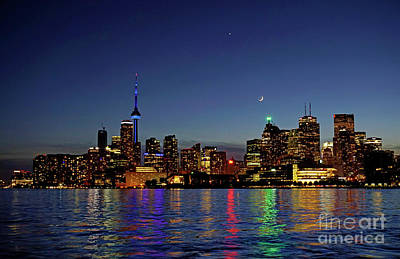 Photograph - Toronto Evening Sky With Crescent New Moon And Venus by Charline Xia