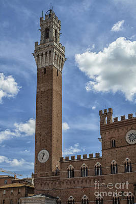 Piazzo Photograph - Torre Del Mangia by Patricia Hofmeester