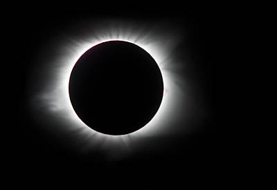 Photograph - Totality Glow by Art Cole