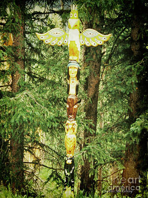 Photograph - Totem Pole by Charles McKelroy