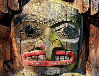 Photograph - Totem Pole Detail - Eagle by Peggy Collins