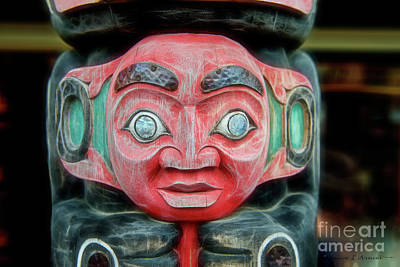 Photograph - Totem Pole Face by David Arment