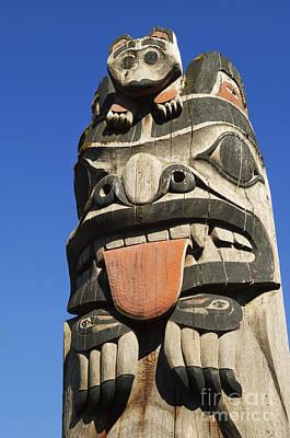 Totem Figure Photograph - Totem Pole by Greg Vaughn - Printscapes