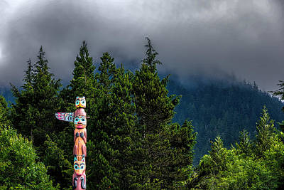 Photograph - Totem Pole by Lewis Mann