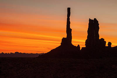 Photograph - Totem Pole Monument Valley by Andrew Soundarajan