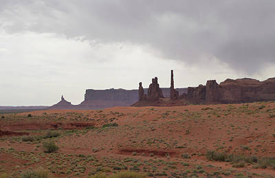 Totem Pole, Monument Valley Art Print by Gordon Beck