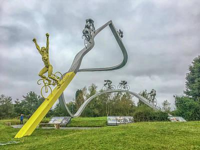 Photograph - Tour De France Sculpture Dans Les Pyrenees by Alan Toepfer
