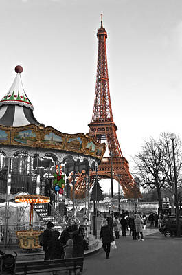 Photograph - Tour Eiffel And Carrousel Color And Black And White By Pedro Cardona by Pedro Cardona Llambias